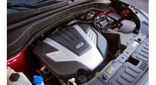 تنظيف محرك السيارة من الخارج